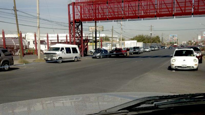 Filas tanques de oxígeno en Juárez