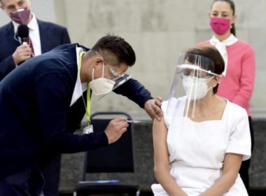Primer vacuna en México