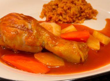 Rico y sencillo, piernitas de pollo en salsa de tomate