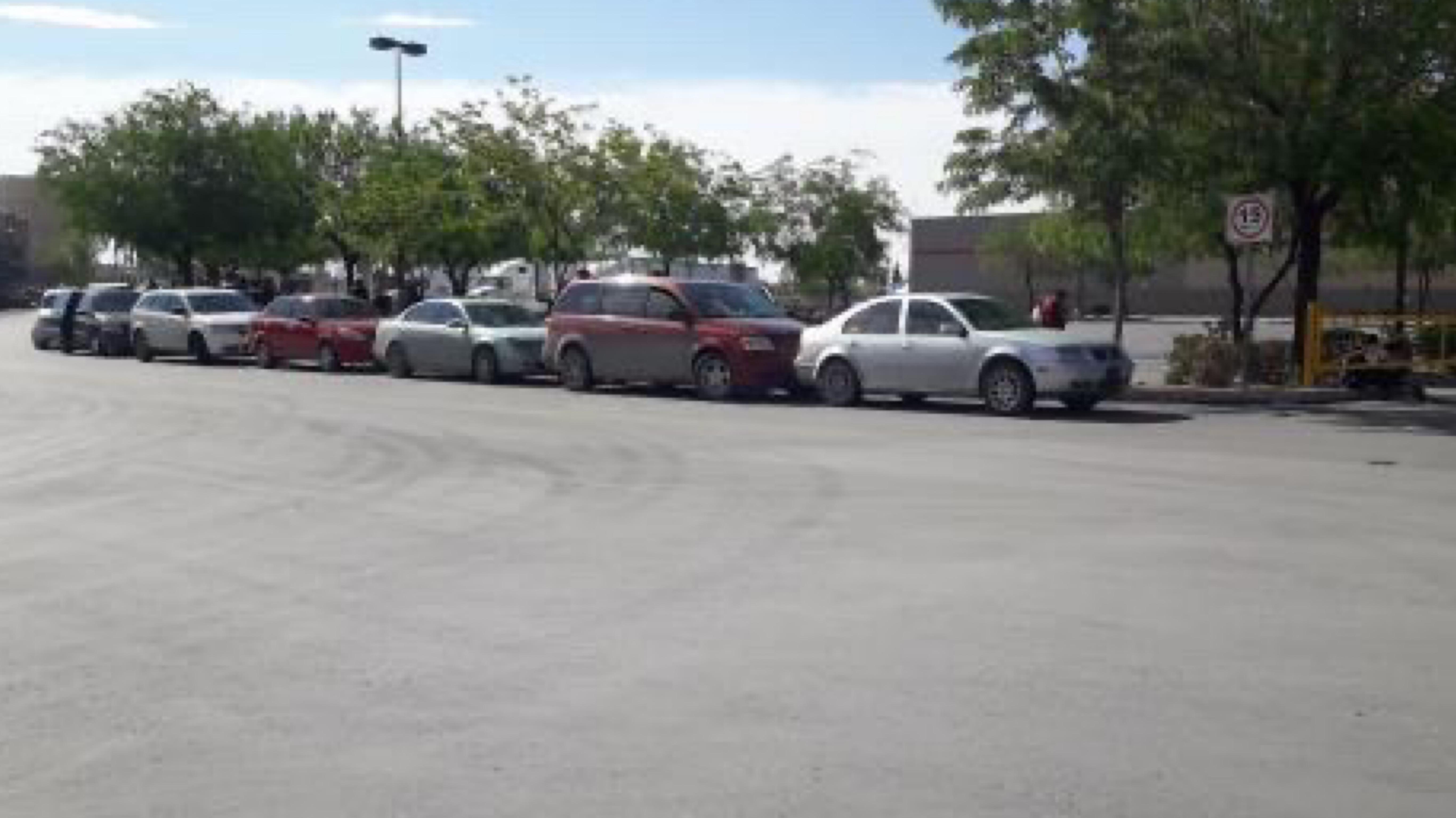 Abarrotan centros comerciales por segundo súper cierre en Juárez