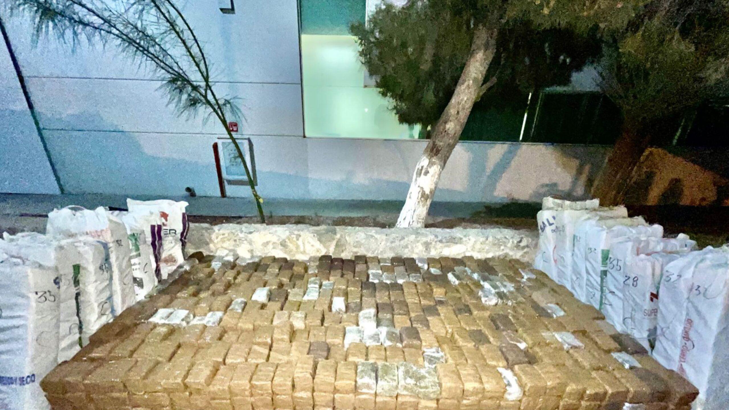 1574-paquetes-de-droga-decomisada-en-casa-de-Cd.-Juarez