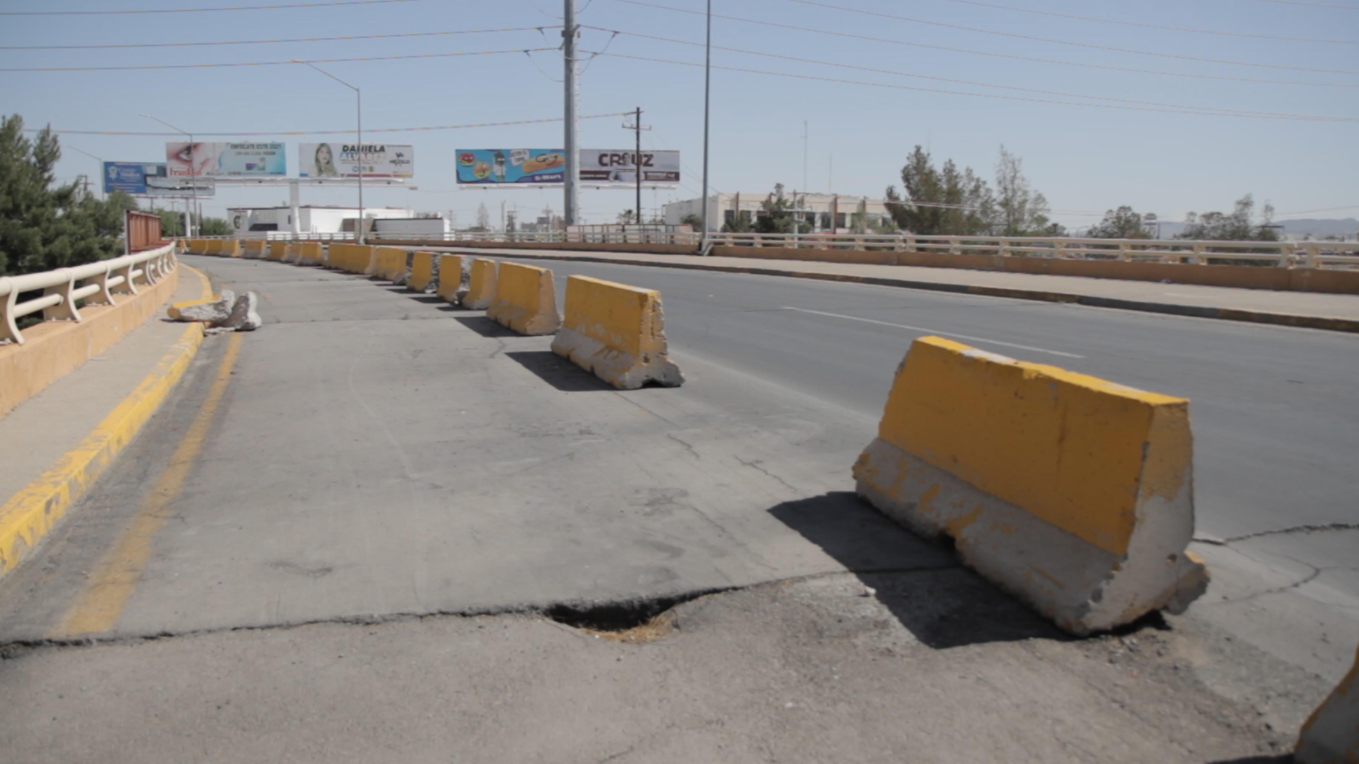 Muros-de-contencion-en-puente-Carlos-Villarreal-en-Juarez