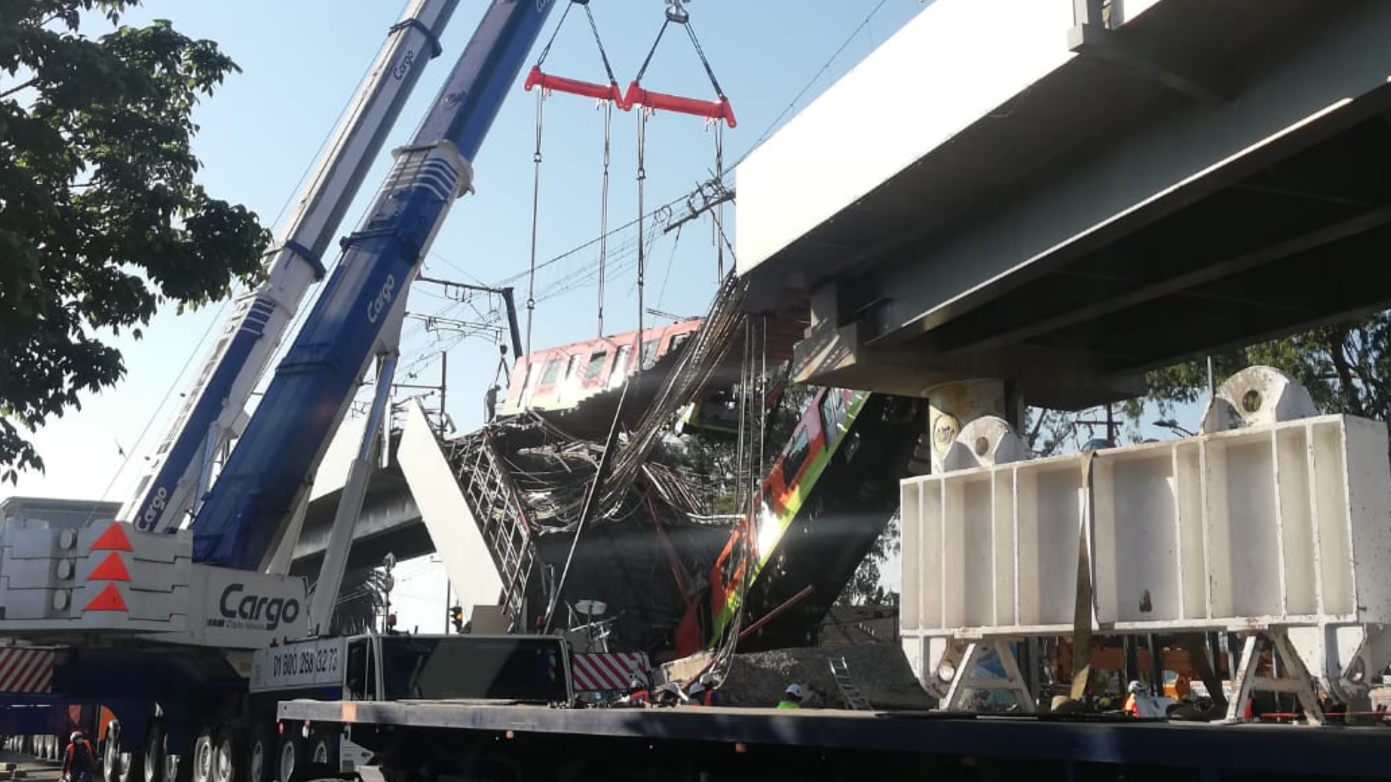 Retiran-vagon-de-tren-colapsado-en-CDMX
