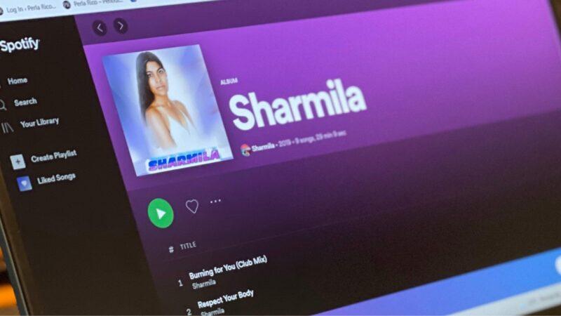 Sharmila, artista, cantante y compositora
