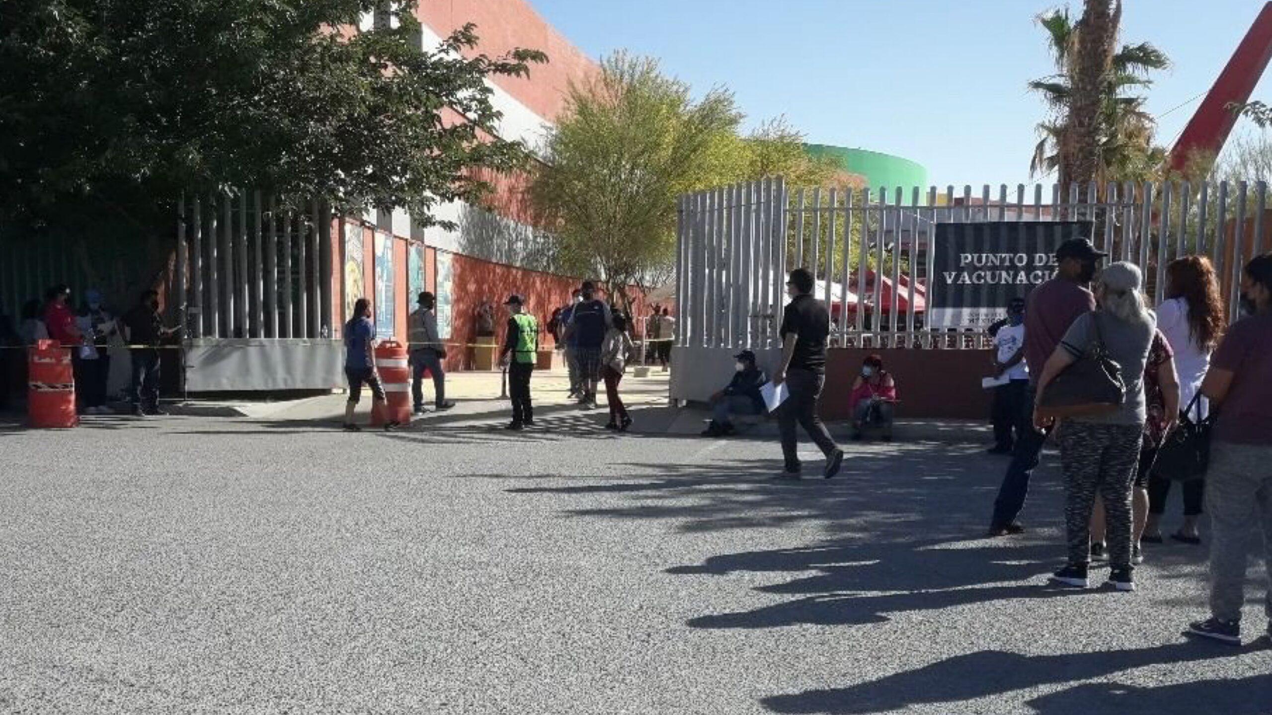 Vacunación en Ciudad Juarez, imagen colaboración especial fotógrafo Jorge Romero