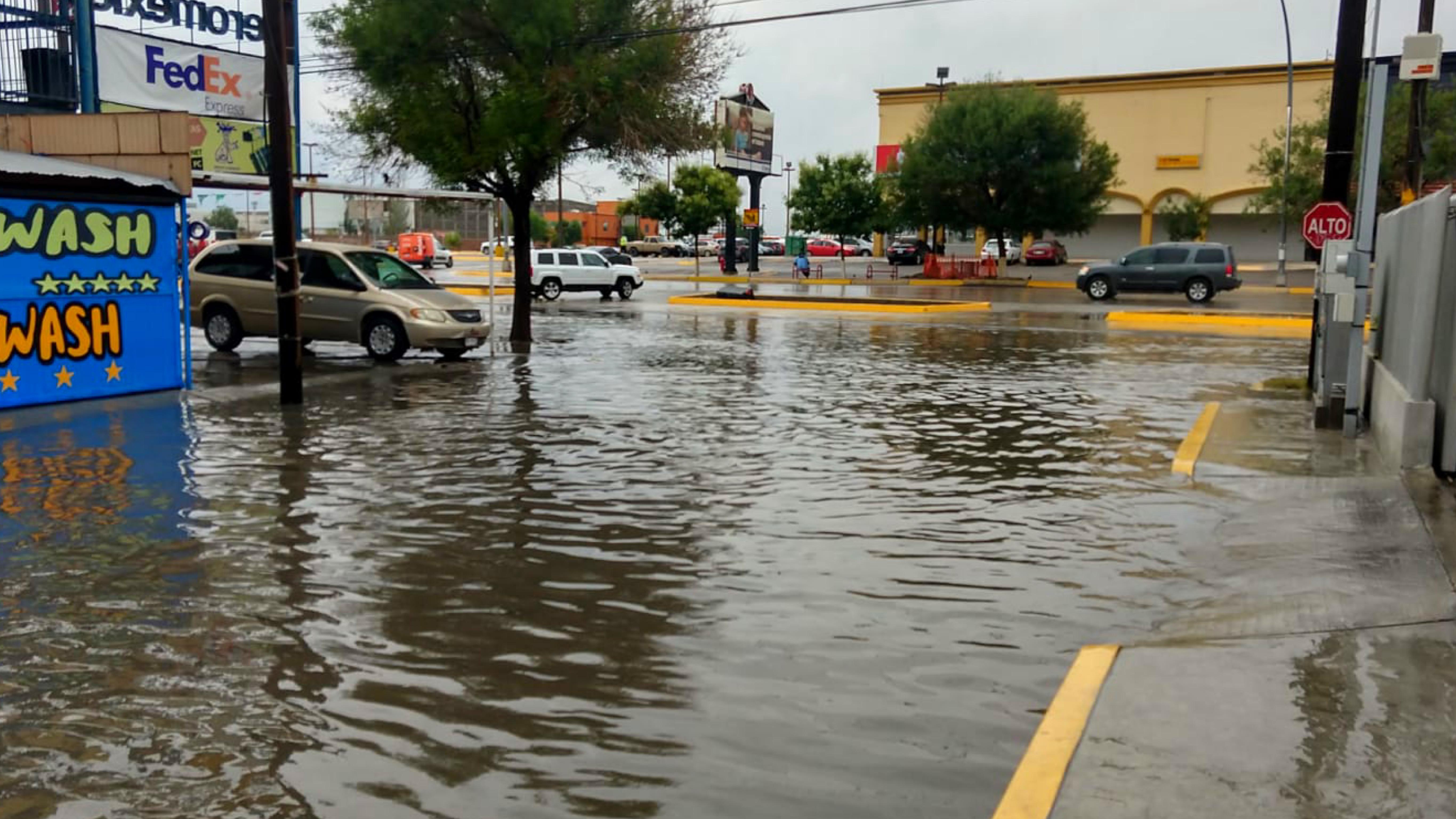 Encharcamiento-por-lluvia-en-Juarez