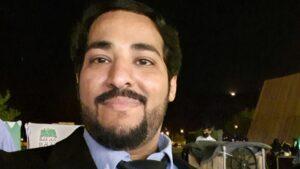 """Escritor, influencer y empresario Muneer Mujahed Lyati, publica libro e-book, """"Regular maintenance of the car"""", """"Mantenimiento regular del automóvil"""" en Arabia Saudita"""