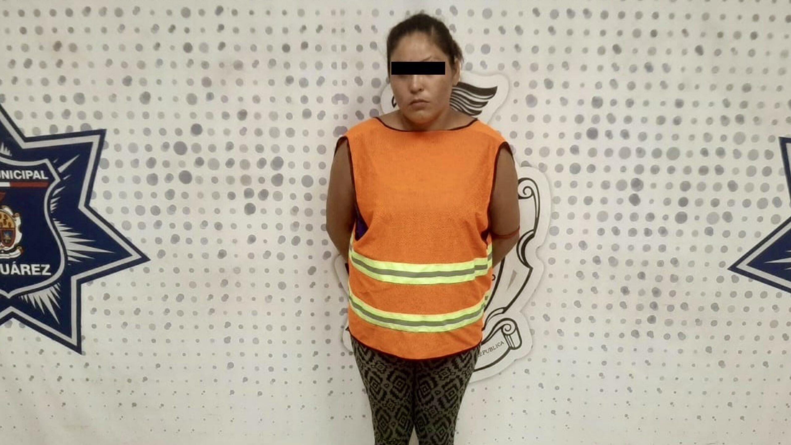 Mujer-detenida-por-empujar-a-su-vecino-y-matarlo